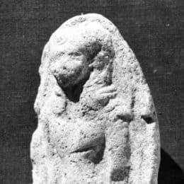 Les plaquettes estampées décorées d'une femme nue